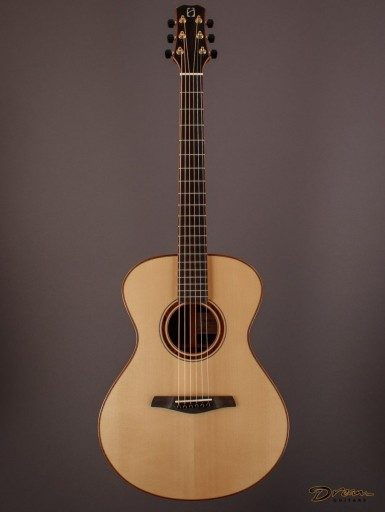 2005 Hamblin GC, Madagascar Rosewood/European Spruce
