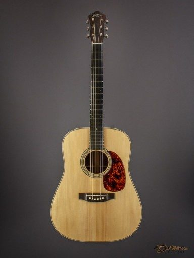 2010 Henderson Dreadnought, Madagascar Rosewood/Adirondack Spruce