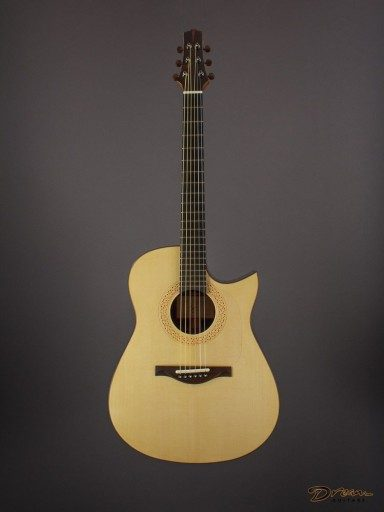 2019 Buendia Modified Dreadnought, Brazilian Rosewood/Moonspruce