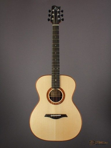Brand New ELB Guitars ELBOM-SM39, Madagascar Rosewood/German Spruce