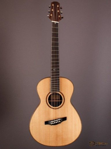 """Brand New Tippin Staccato, Madagascar Rosewood/""""Salmon Crate"""" Sitka"""