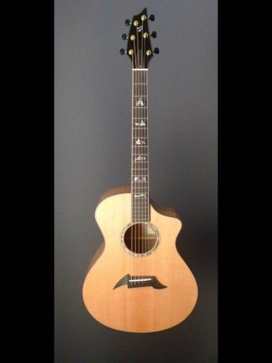 Breedlove Northwest Myrtlewood/Sitka