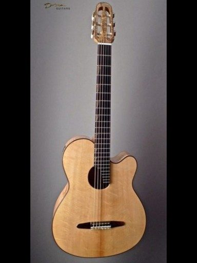 McGill Super Ace Flamed Maple/Bearclaw Sitka