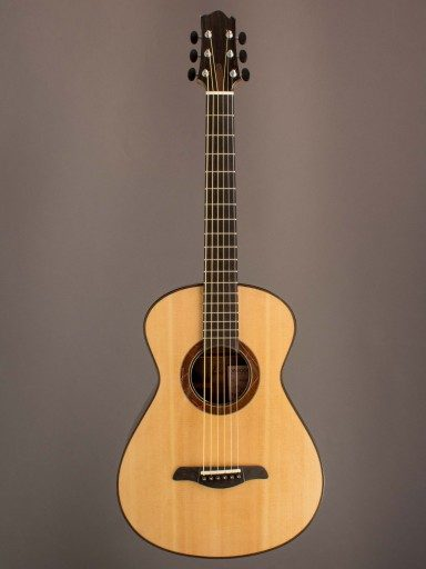 Oxwood Handmade 00 Acoustic Guitar