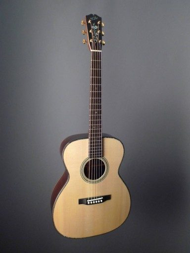 Walker Guitars OM-40 Acoustic Guitar