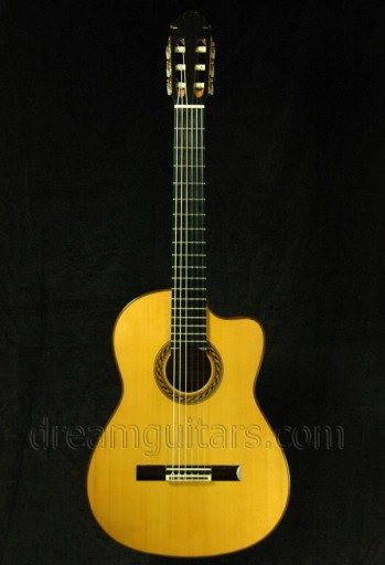Rubio Guitars GVR Flemenco Classical Guitar