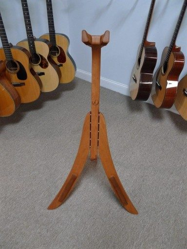 Solid Ground Stands - Guitar Stand in Cherry