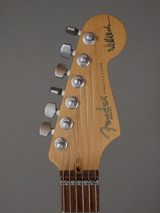 Jeff Beck Signature on Headstock