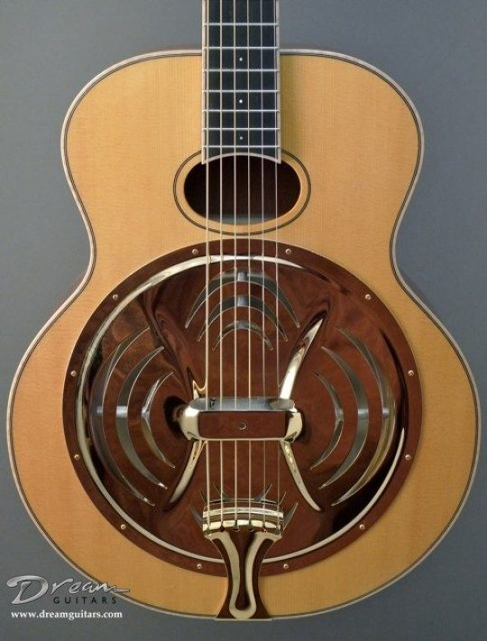 Sitka Spruce Top, Gold Radio Cover