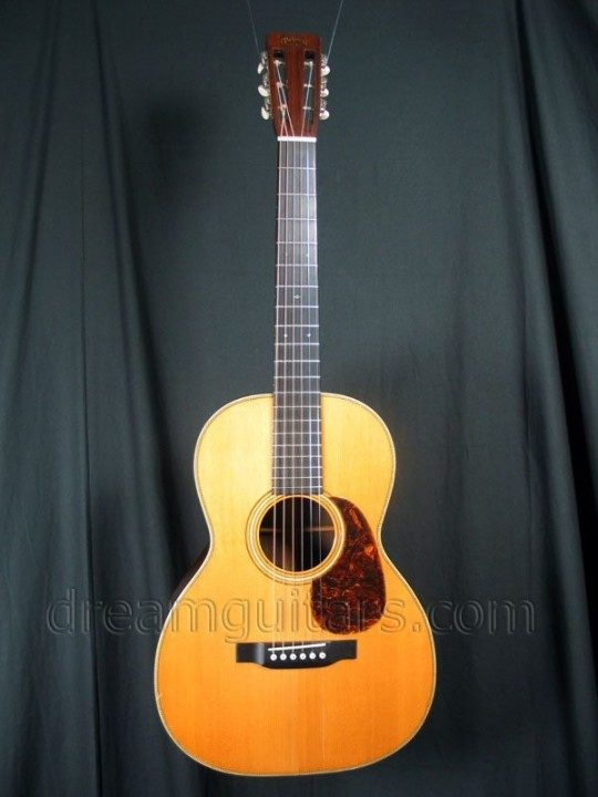Martin Guitars 00-28 Acoustic Guitar