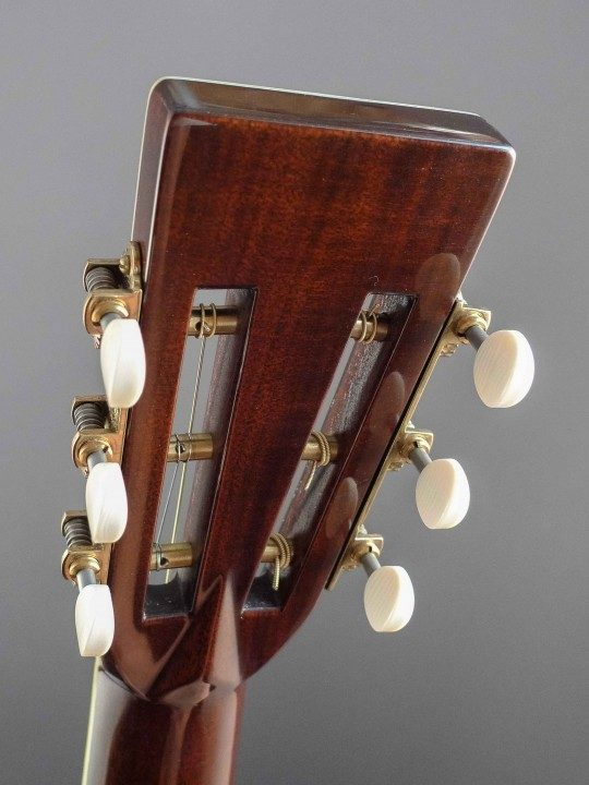 Waverly Gold Etched Tuners With Ivoroid Buttons