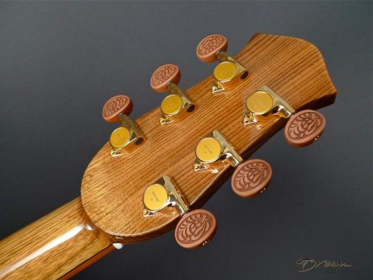 Gotoh 510 Gold Tuners with Carved Pearwood Buttons
