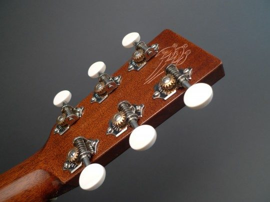 Waverly Nickel With Ivoroid Buttons Tuners