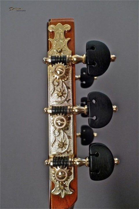 Gotoh Rodgers Style Gold With Ebony Buttons Tuners
