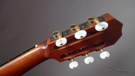 Gilbert Gold With Ivoroid Buttons Tuners