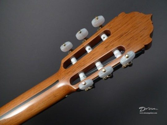 Fustero Bronze With Pearl Buttons Tuners
