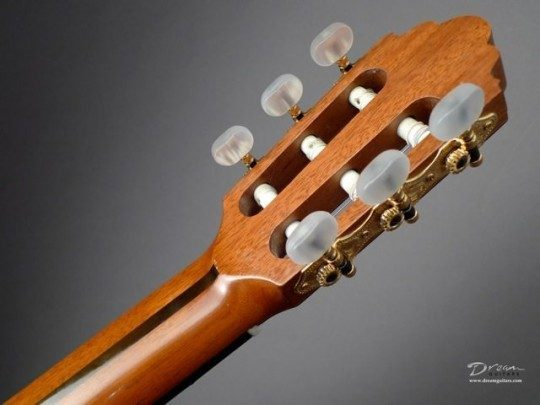 Sloane Gold Etched With Pearl Buttons Tuners