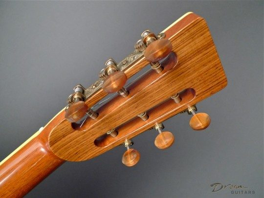 Waverly With Amber Buffalo Horn Buttons Bronze With Amber Buttons Tuners