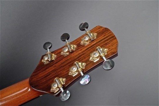 Gold Waverlys with Black Pearl Buttons Gold with Black Pearl Buttons Tuners