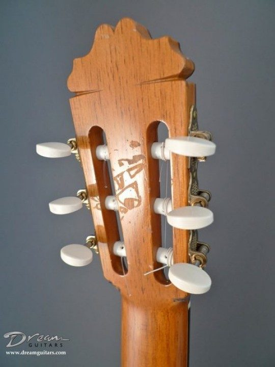 Sloane Bronze with Ivoroid Buttons Tuners