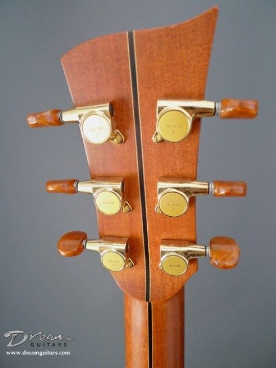 Gotoh Gold With Amber Buttons