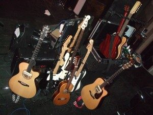 Los Lobos tour guitars